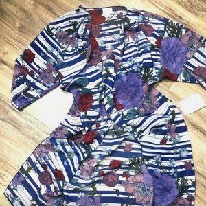Lularoe NWT Small Shirley Kimono.💙